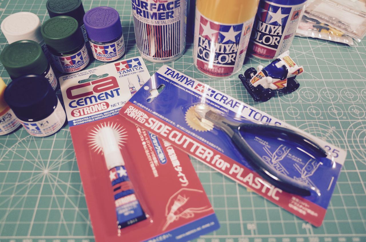塗料と工具