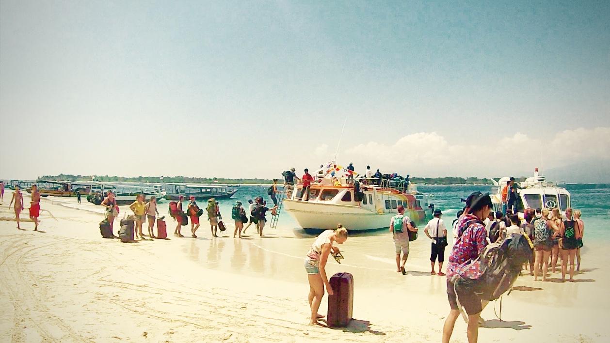 ギリトラワンガンのビーチ