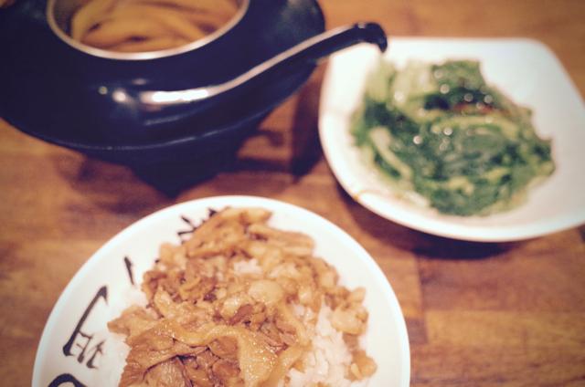 西門金峰の魯肉飯01