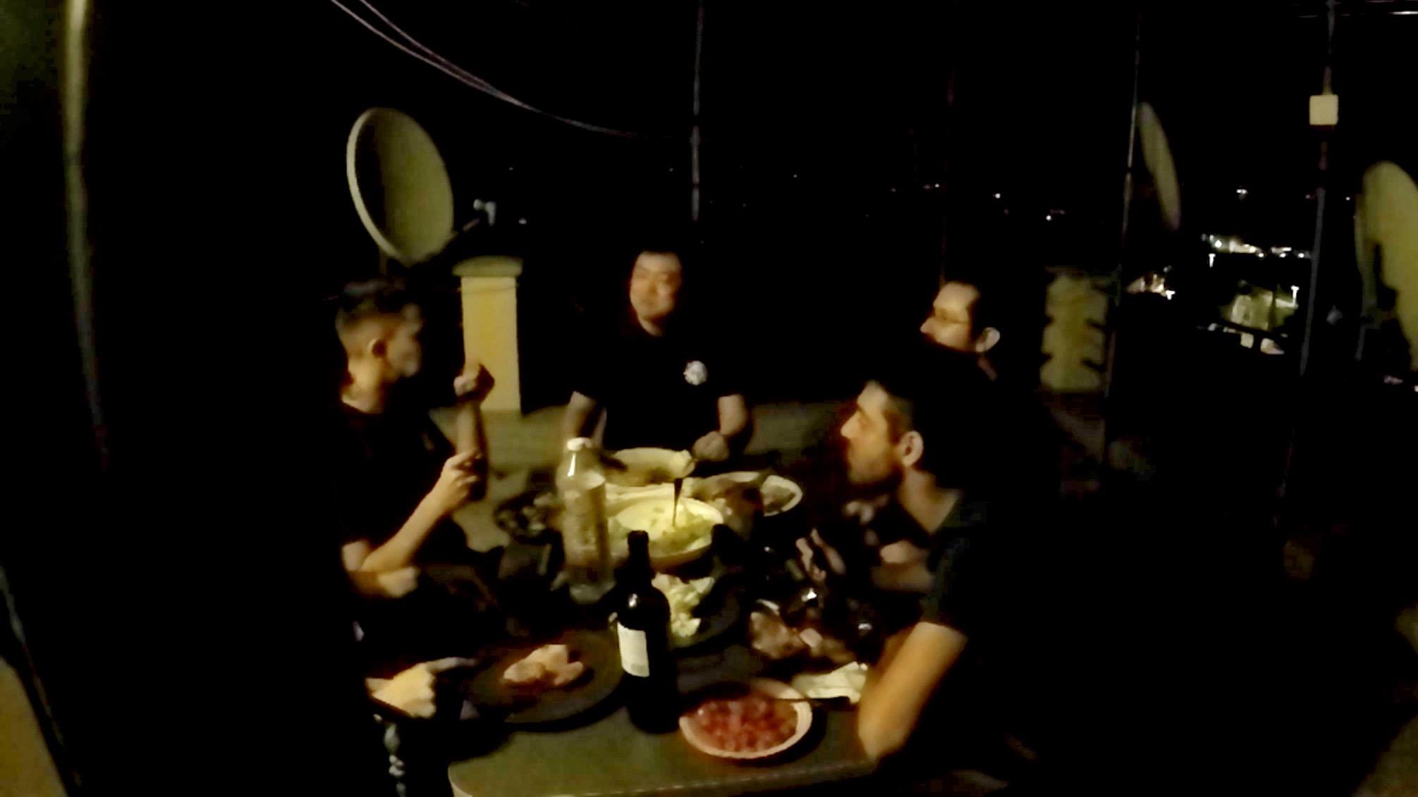屋上での宴01
