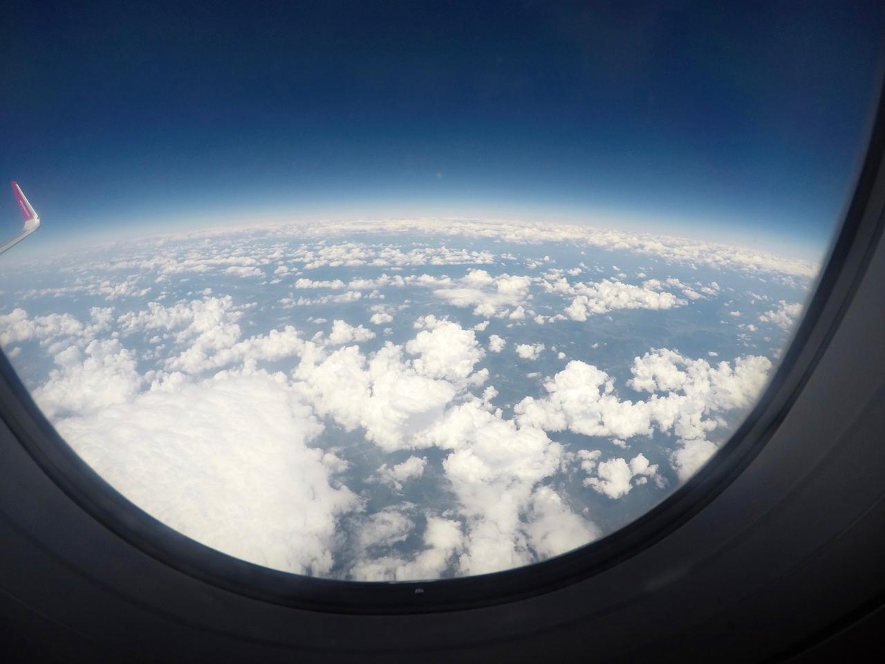 ポーランドへ向かう空