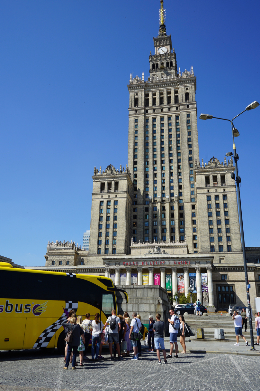 ワルシャワの朝08バス