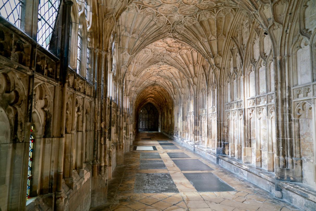 回廊部分と扇形天井