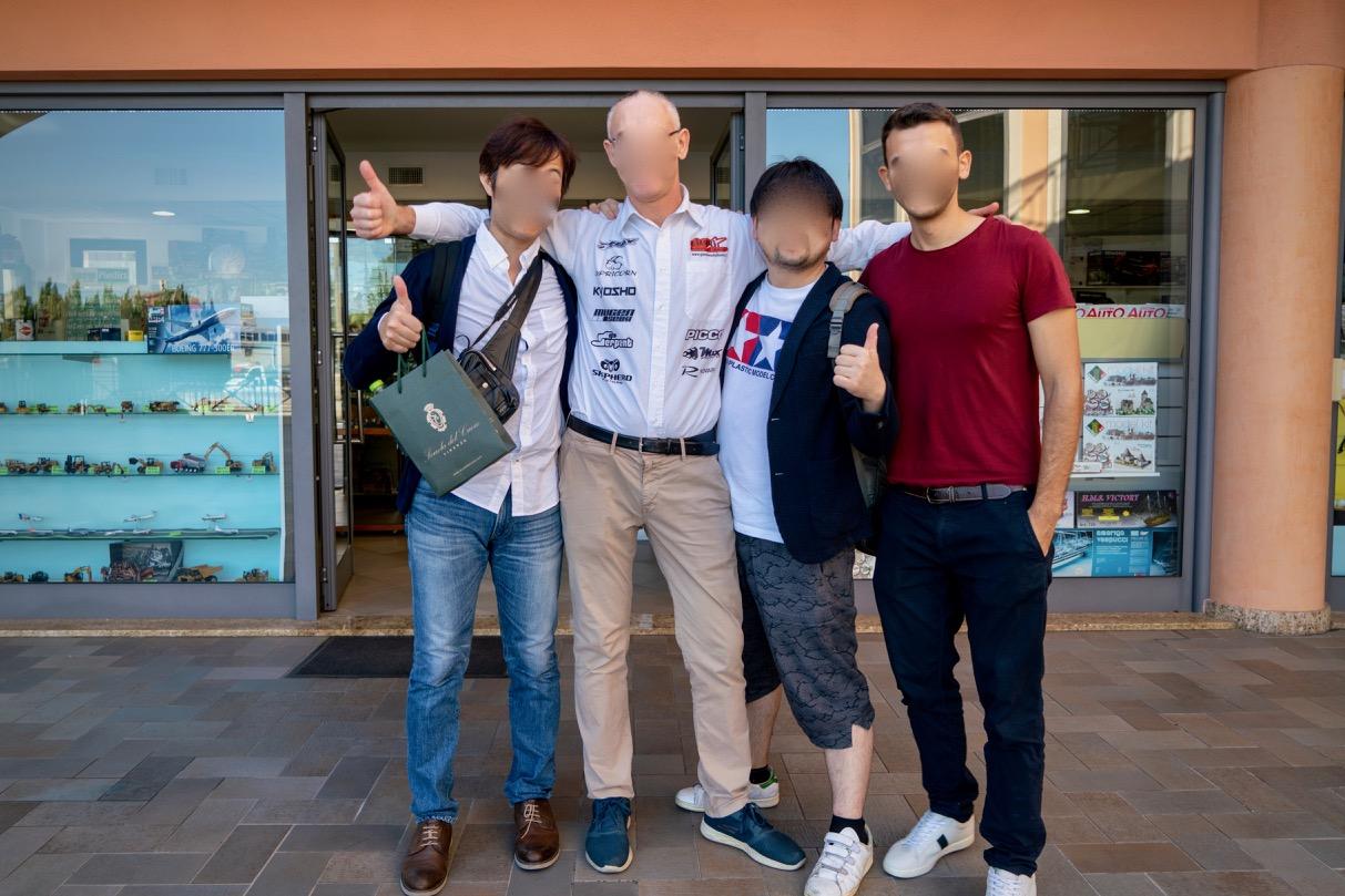 Modellismo Gianni店主と記念撮影